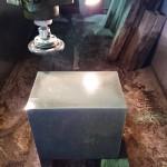 先週末に切削しました本小松石を磨きました。