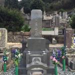 熱海市の寺院墓地に本小松石製、和型尺角石塔を建てさせていただきました。