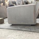 洋型デザイン墓石の竿石の造形が完成しました。