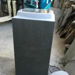 尺角の竿石の香箱加工