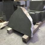 自然石墓石の竿石が完成しました!
