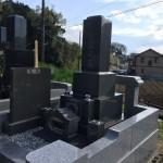 三島市の寺院墓地に本小松石製の九寸角石塔を建立しました。