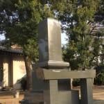 埼玉県の寺院墓地に本小松石製 九寸角石塔 外柵を建墓しました。