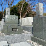 藤沢市の大庭台墓園に本小松石製の洋型墓石のお墓を建立致しました。